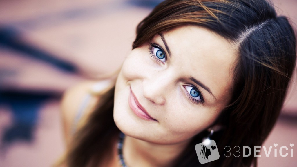photography-girl-smile-portrait-blue-eyes-1920x1080
